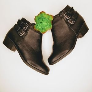 ASHLEY BLUE Black Ankle Booties